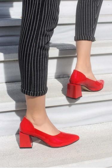Hakiki Deri Kırmızı Rugan Kadın Kalın Topuklu Ayakkabı 064ZA793