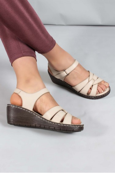 Hakiki Deri Bej Kadın Topuklu Sandalet 952ZA21886