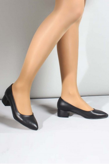 Siyah Kadın Kısa Topuklu Ayakkabı 961ZA558